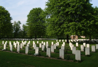 Cimitero-militare Milano